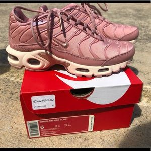 Pink Womens Air Max Plus, Size 6